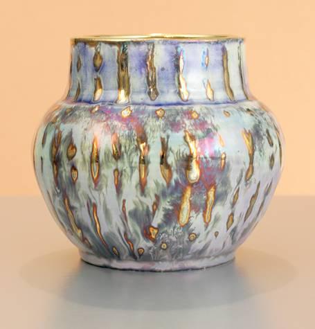 [Iridescent Pottery by Paul J. Katrich (0971)]