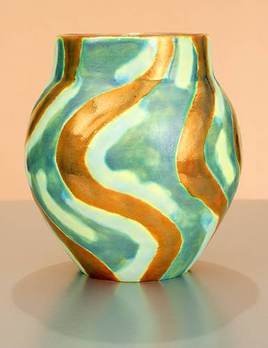 [Iridescent Pottery by Paul J. Katrich (1027)]