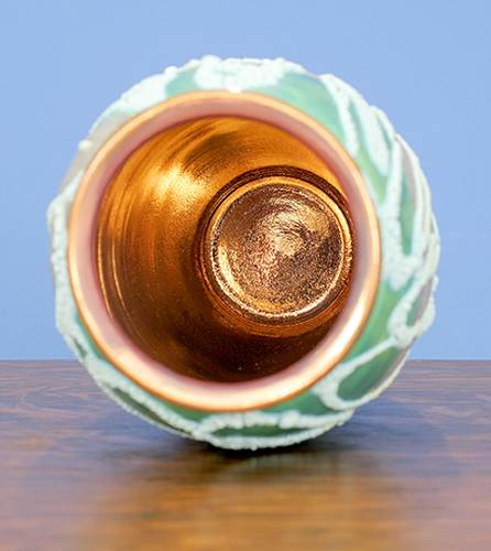 [Iridescent Pottery by Paul J. Katrich (1028)]