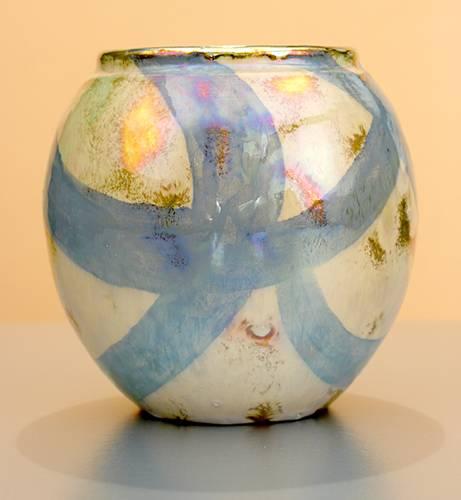 [Iridescent Pottery by Paul J. Katrich (1054)]